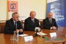 Marszałek przekazuje środki na inwestycje drogowe w gminie Łużna