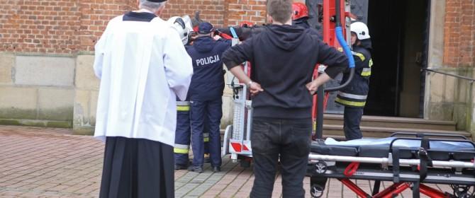 Ksiądz uratował mieszkańca Łużnej, który chciał się powiesić w kościelnej wieży (TV)