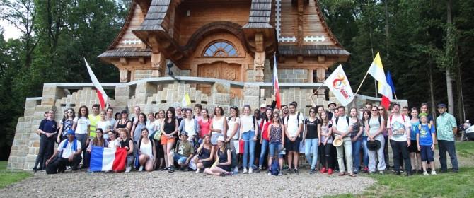 Francuzi z okazji ŚDM odwiedzili Łużną. Czekało ich sporo atrakcji! (TV)