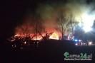 Budynek gospodarczy w ogniu. Na miejsce dysponowane są kolejne jednostki (TV)